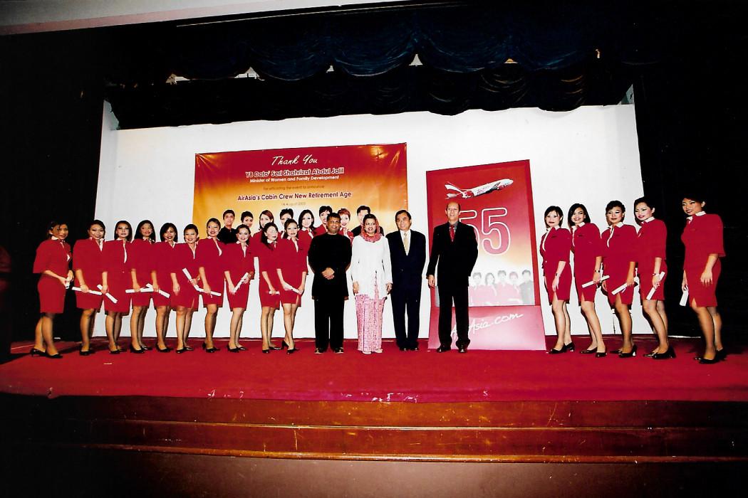 airasia Cabin Crew New Retirement Age 55 (1)