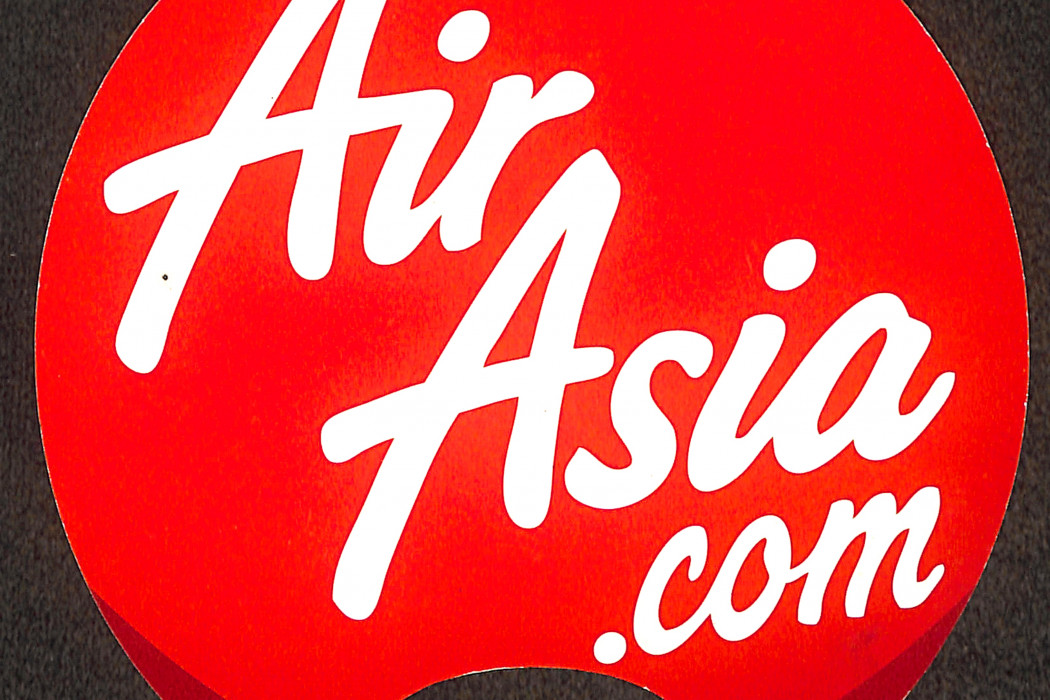 airasia Paper Fan Now Everyone Can Fly (1)