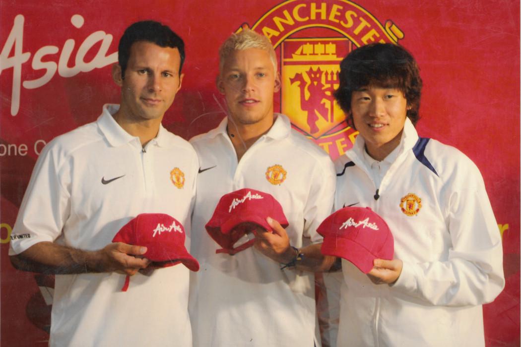 airasia x Manchester United (2)