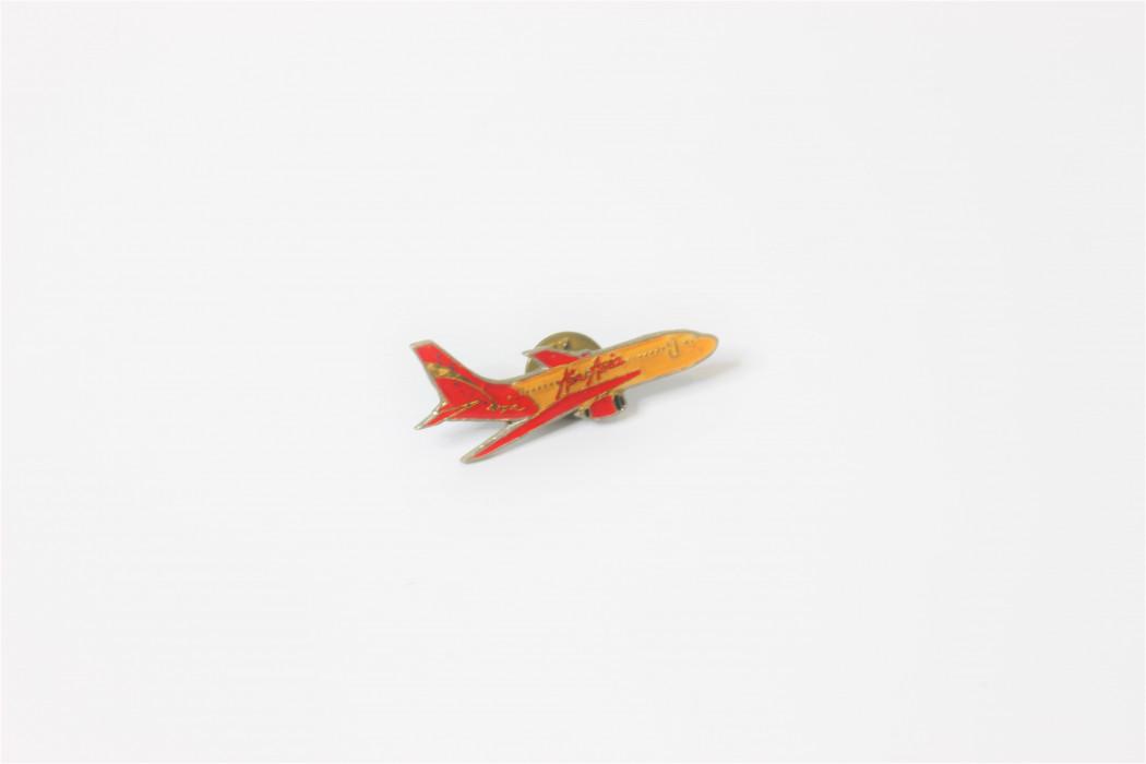 B737 lapel pin (merchandise)