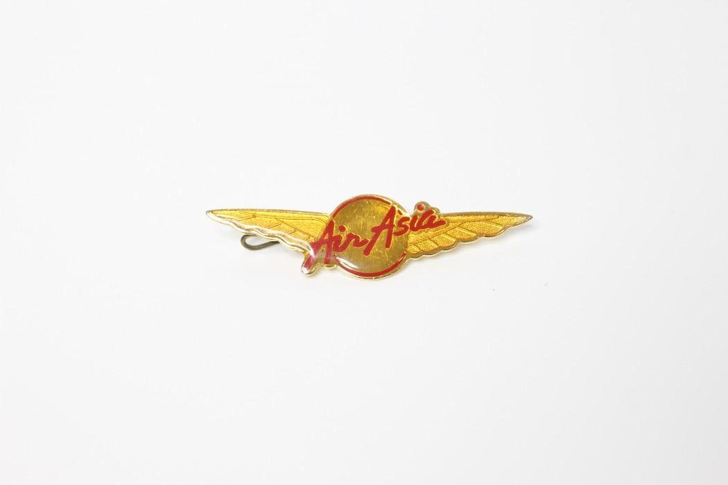 Capt. Fareh airasia wing epoxy pin (1)