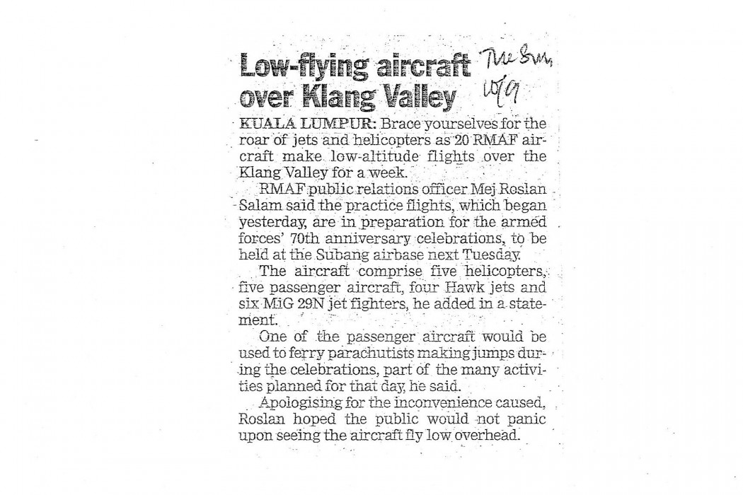 Low-flying aircraft over Klang Valley