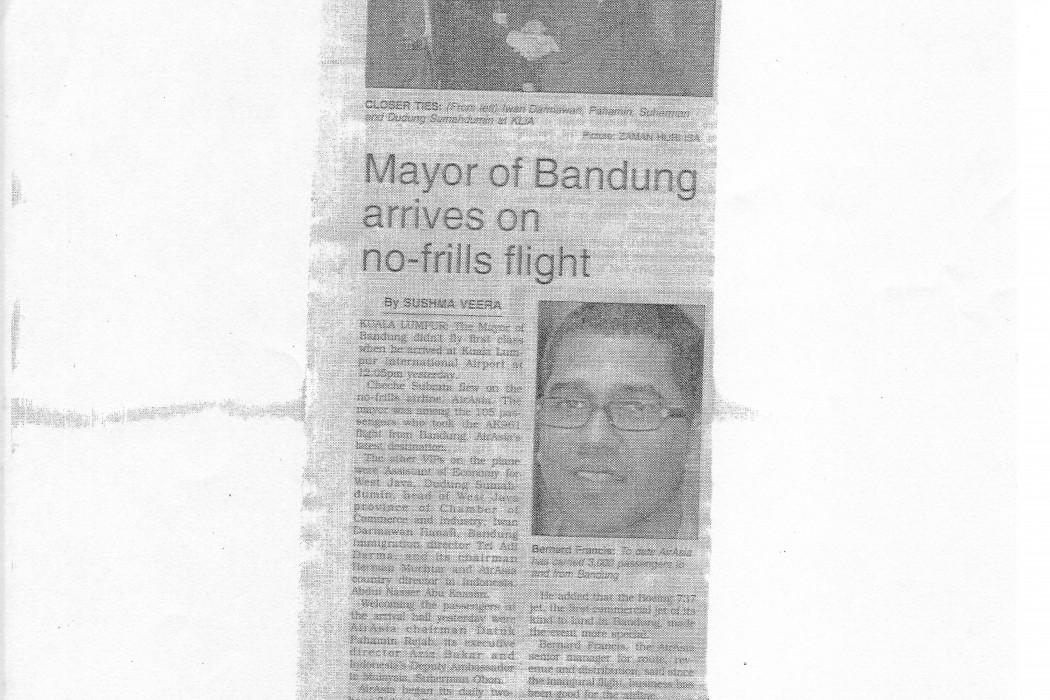 Mayor of Bandung arrives on no-frills flight