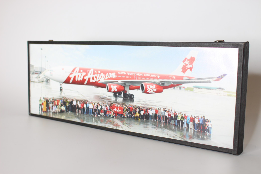 Photograph CAPA Best New Airline Plane Livery With airasia Staff