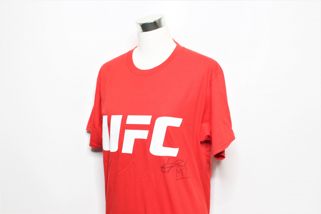 UFC Kevin Lee signed shirt (2)