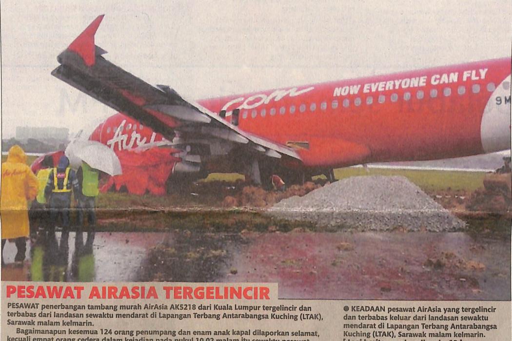 (image) - Pesawat airasia tergelincir
